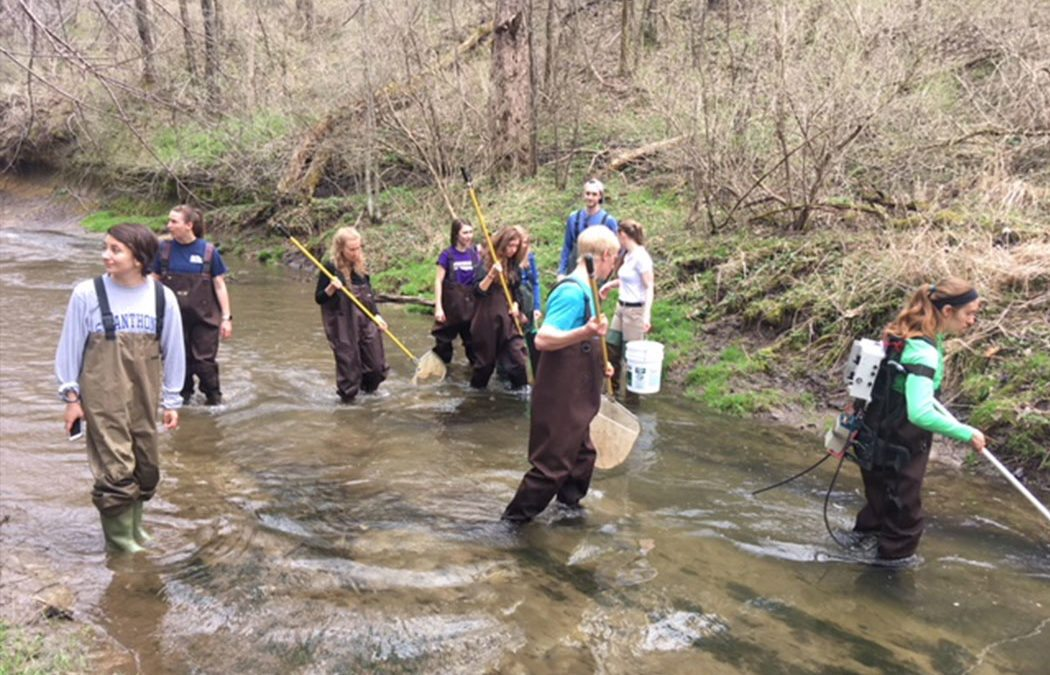 Cotter students join Limnology class to study Gilmore Creek