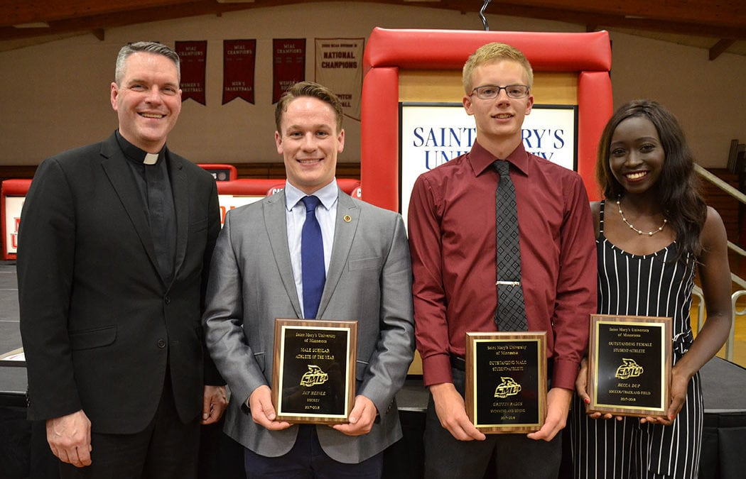 Saint Mary's honors current, former athletes during 'M' Club weekend