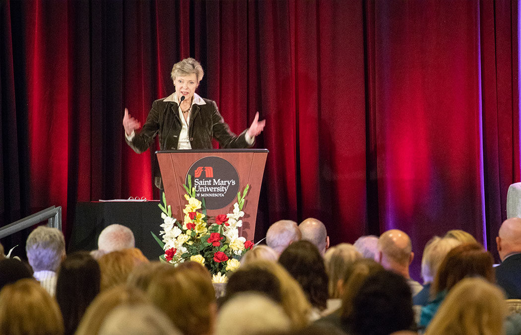 Cokie Roberts inspires action at 2019 Hendrickson Forum