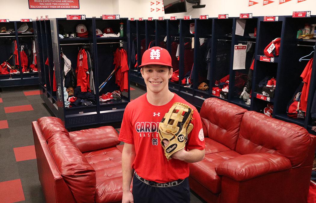 Baseball alumni prove giving is contagious