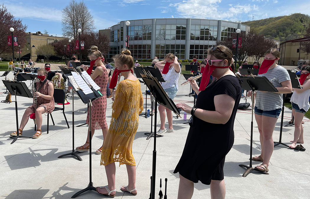 Community invited to free outdoor concert
